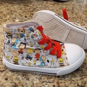 Peanuts sneakers size 10